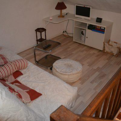 Location Barcelonnette : Le coin salon TV